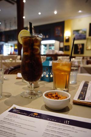 Mount Lawley, ออสเตรเลีย: Long Island Iced Tea and LLB