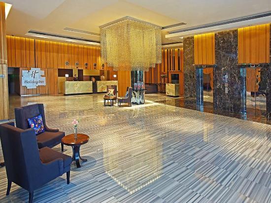 Holiday Inn New Delhi Mayur Vihar Noida: Holiday Inn Lobby