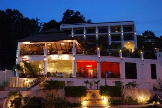 Leelawadee Boutique Hotel: the location of the hotel is strategic. near to patong beach