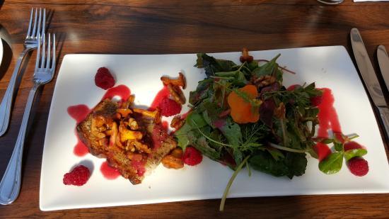 Wedel, Alemania: Salat mit Pilzen an Himbeerdressing