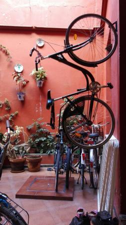 Babel Hostel Sevilla: IMG_20160424_104326_large.jpg