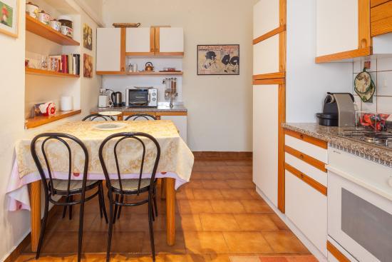 Cucina abitabile foto di b b chiara verona tripadvisor - Cucina abitabile ...