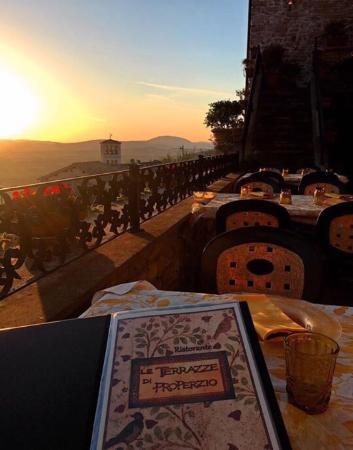 Terrazza con panorama - Foto di Le Terrazze di Properzio, Assisi ...