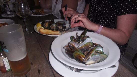 The Station Bar & Bistro: Proper mussels!!