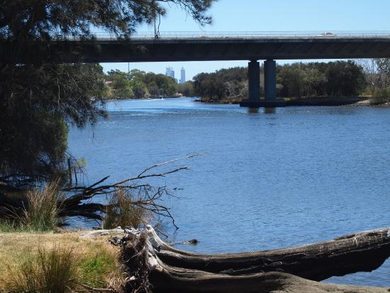 Ascot, Australia: Freeway bridge