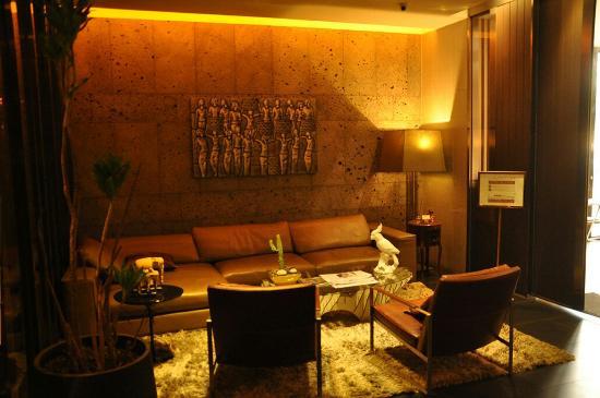 Vine Hotel: DSC_0009_large.jpg