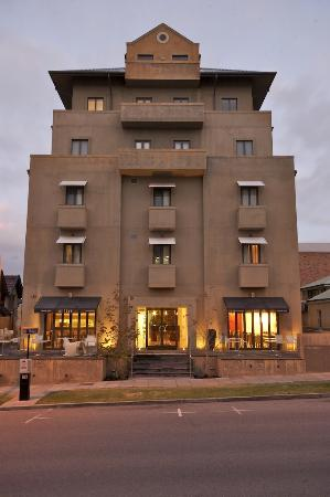 Exterior view picture of ramada perth the outram perth for Best boutique hotels perth
