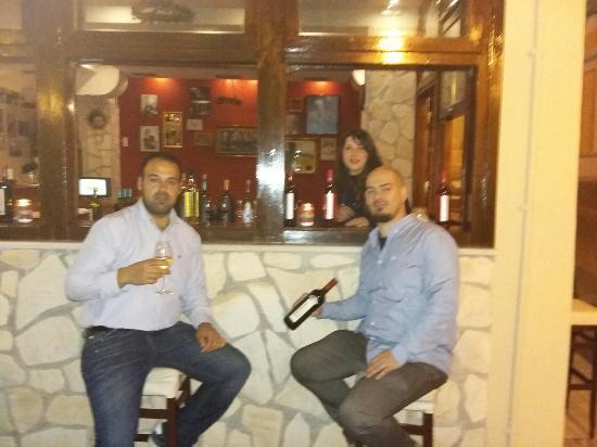 Pyrgos, Hellas: 20160414_220017_large.jpg