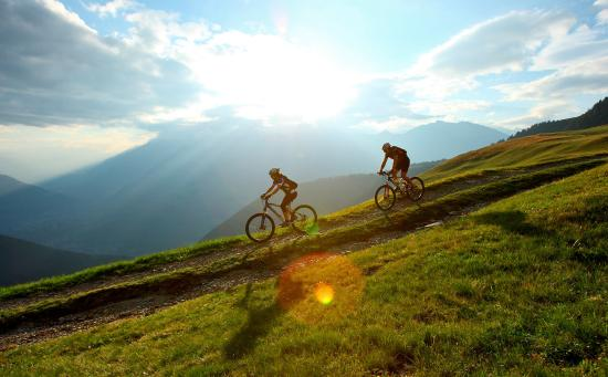 Renon, Italia: Mountainbiken am Sonnenplateau Ritten