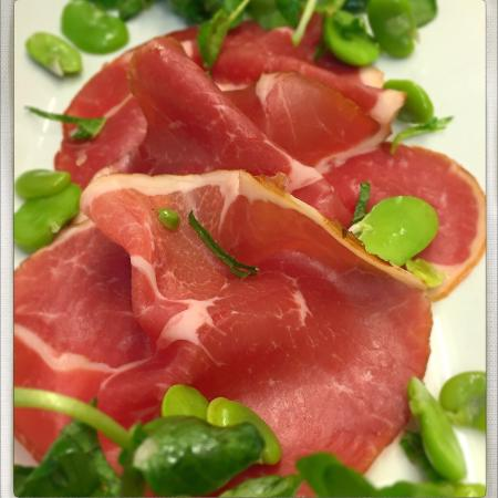 Kilpeck, UK: Carpaccio of Welsh lamb, rosemary jelly, broad bean and mint salad