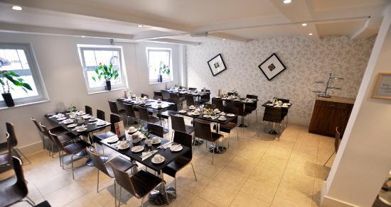 Kensington Court Hotel: Breakfast room