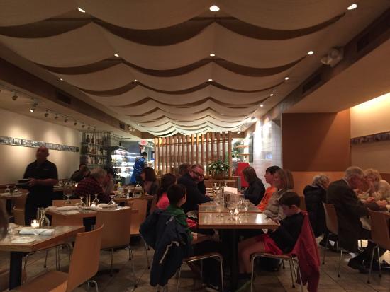 Гринвич, Коннектикут: Inside Pastavera Restaurant