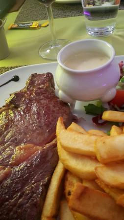 Montboucher-sur-Jabron, Francia: TA_IMG_20160426_125126_large.jpg
