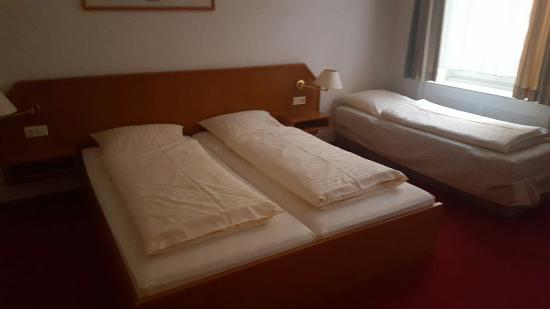 Hotel Alameda: 20160422_202005_large.jpg