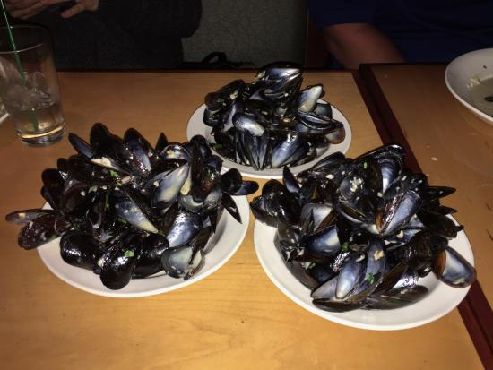 Point Brugge Cafe: Mussels!