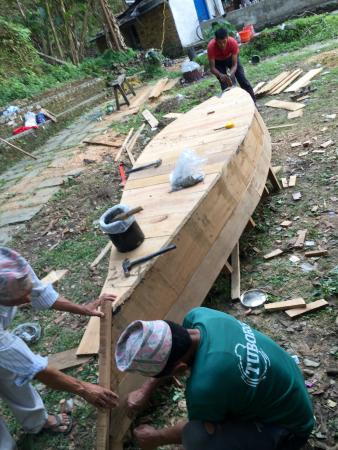 Boat building on the bank of Begnas Tal - Picture of Begnas