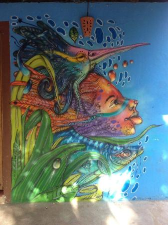 Caraiva: Muita Arte no Canto da Praça!!