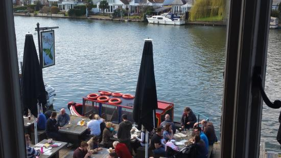 ... riverside venue - Picture of The Anglers of Walton, Walton-On-Thames