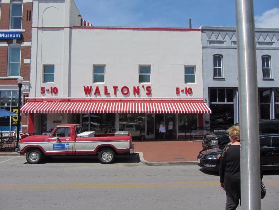 Bentonville, AR: Walmart Museum
