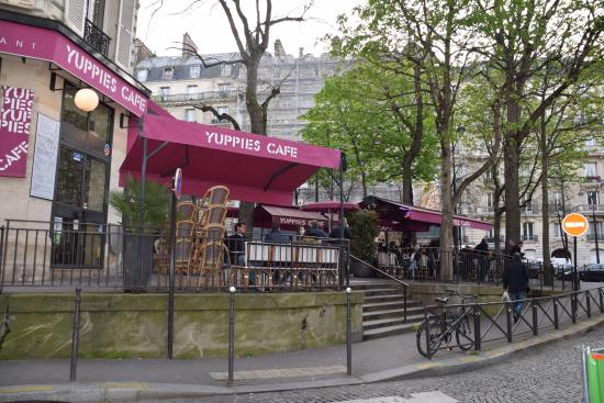Restaurant Rue De Montenotte Paris