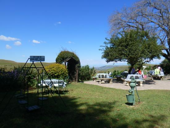Van Reenen, Sudáfrica: Outside seating area with magnificent views