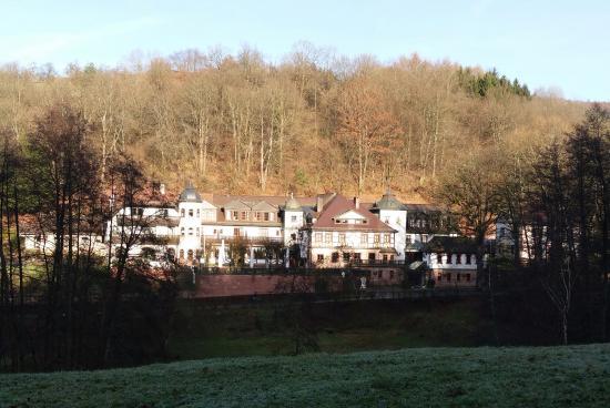 Schlosshotel Mespelbrunn: Gesamtansicht