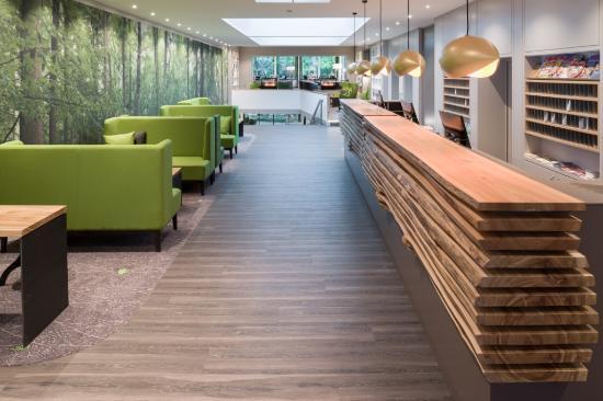 hotellobby und rezeption hotel munte am stadtwald bild von hotel munte am stadtwald bremen. Black Bedroom Furniture Sets. Home Design Ideas