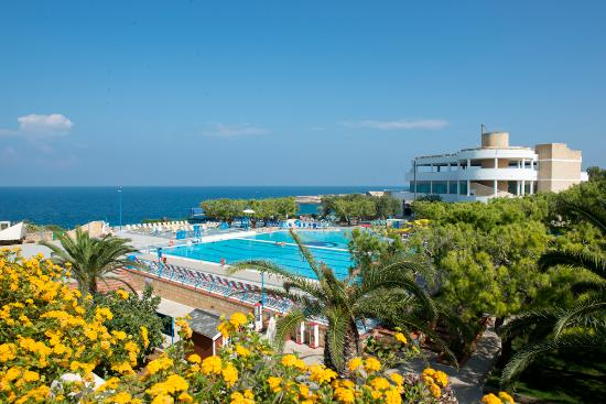 Cala Corvino Resort