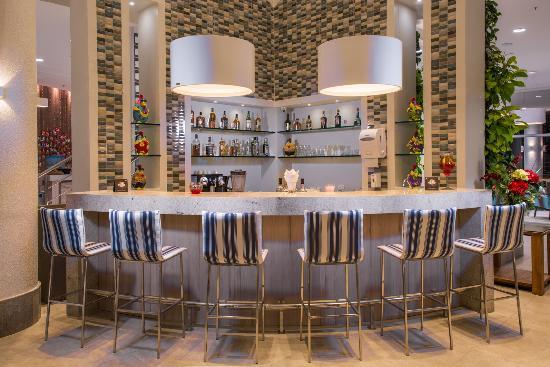 Prodigy Beach Resort Marupiara: Bar