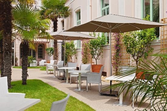 Hotel Balmoral  Menton  France    Voir Les Tarifs  97 Avis