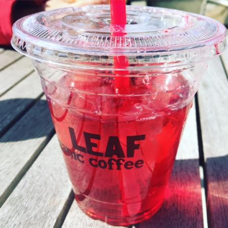 Woodland, واشنطن: Passion Iced Tea with two pumps of raspberry syrup!