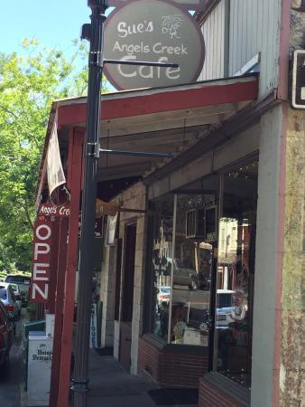 Angels Creek Cafe : photo0.jpg