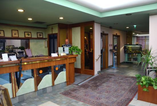Hotel Rosa del Deserto: Hall