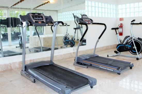 Suites Hipolito Taine : gym