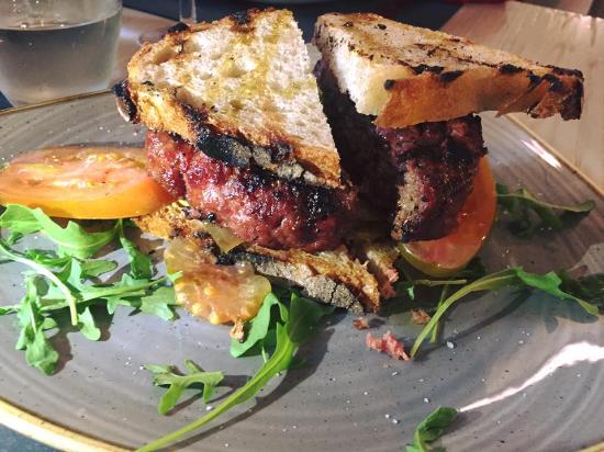 Ristorante La Taverna: hamburger di manzo 300 gr
