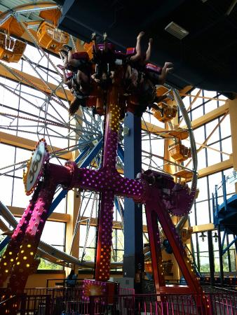 indoor ferris wheel picture of kalahari indoor theme park rh tripadvisor com