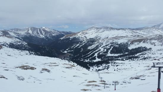 Georgetown, CO: Awesome Springtime Skiing view from top of Chair 9- Taken April 14 2016