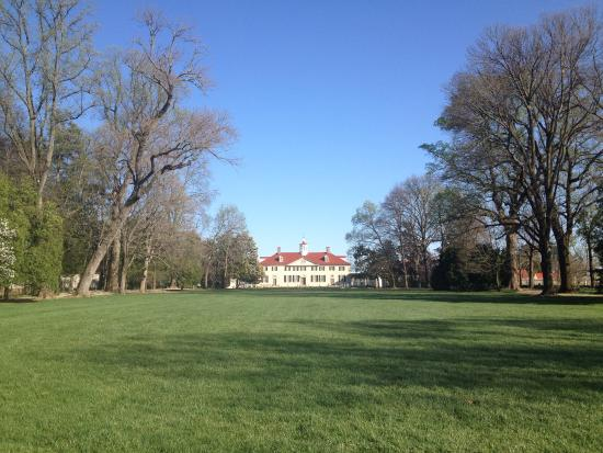 Mount Vernon, Wirginia: The grounds of Mt Vernon March 2016