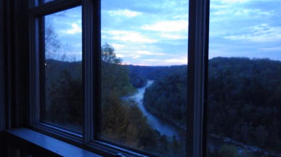 Cumberland Falls State Resort - Dupont Lodge: Sun coming up in the east.