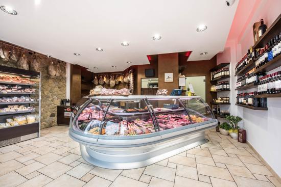 Província de Arezzo, Itália: Interno della macelleria