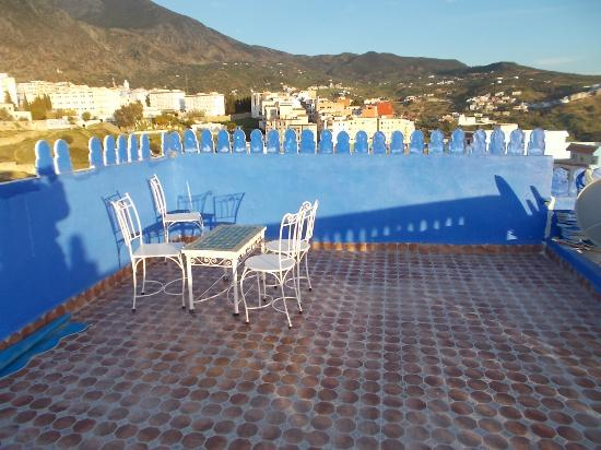Casa Annasr: Terrace and view of Chefchaouen