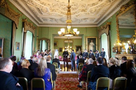 Lauder, UK: Wedding ceremony in the State Drawing Room