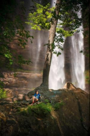 Toccoa Falls, GA: Great photo ops in the shaded areas