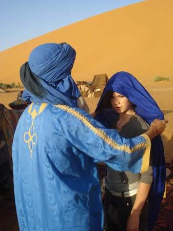 Hassane Merzouga Day Tours: berber shach or terbant
