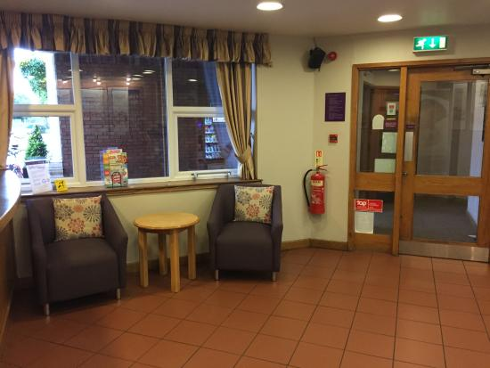Premier Inn Manchester Trafford Centre South Hotel: A warm welcome every time