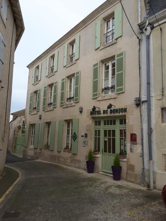 Hotel du Donjon: nice