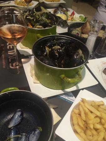 Wepion, Bélgica: Ужин