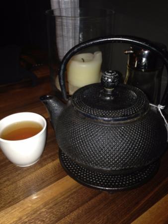 P.F. Chang's China Bistro: hot tea service