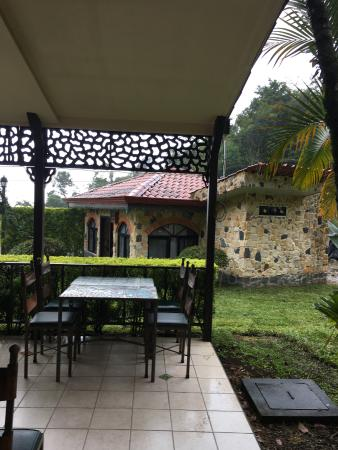 Nuevo Arenal, Costa Rica: outside of the restaurant