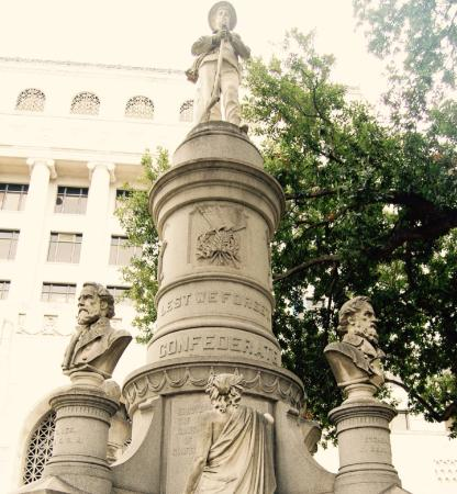 ‪Caddo Parish Confederate Monument‬